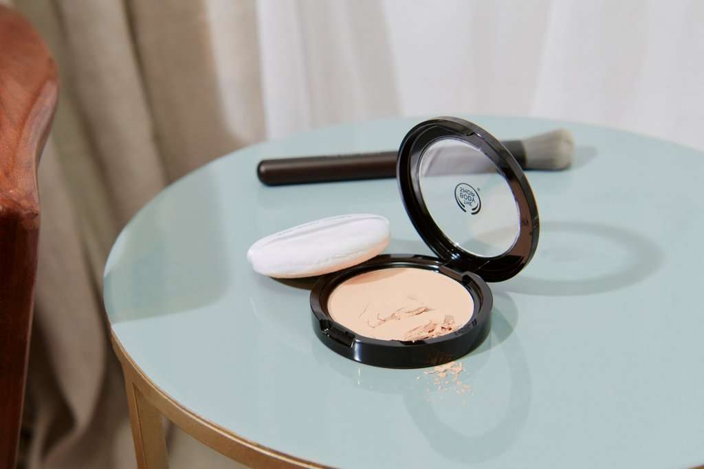 THE BODY SHOP MATTE CLAY POWDER