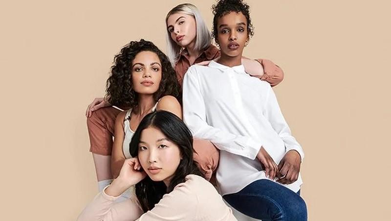 Group Of Ladies