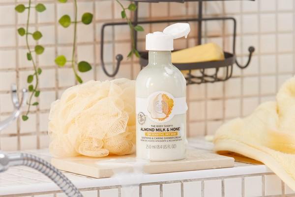 shower gel bath & body