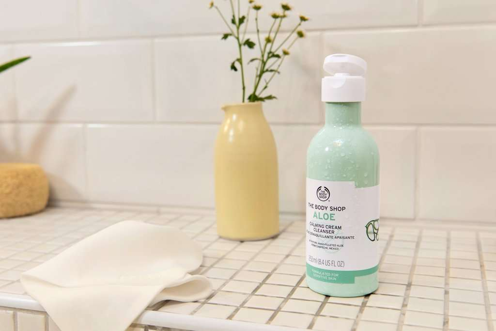 The Body Shop Aloe Calming Cream Cleanser