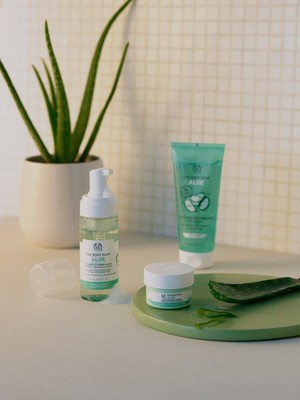 THE BODY SHOP ALOE PRODUCTS IN BATHROOM