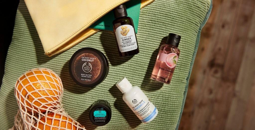 Grupp med produkter från The Body Shop