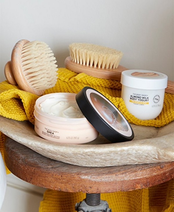 Body brush, scrub and yogurt