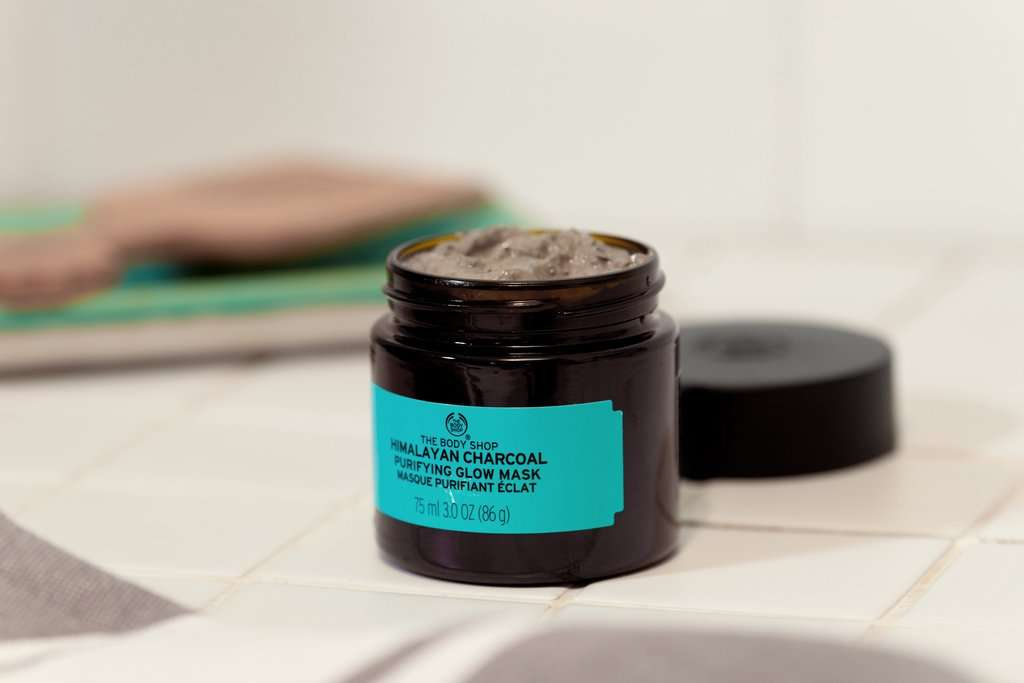 Himalayan Charcoal reinigende Maske von The Body Shop