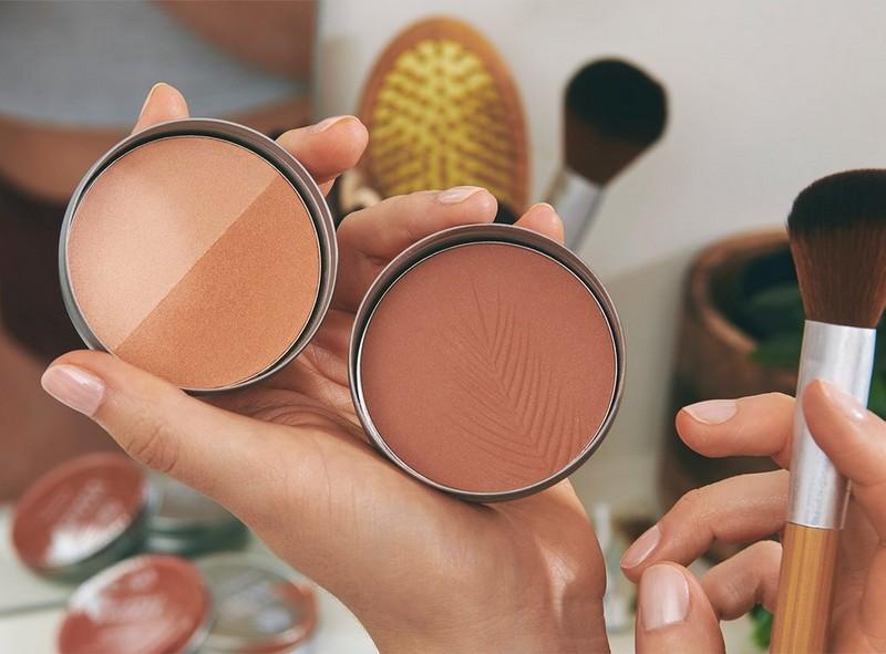 Bronzer with makeup brush