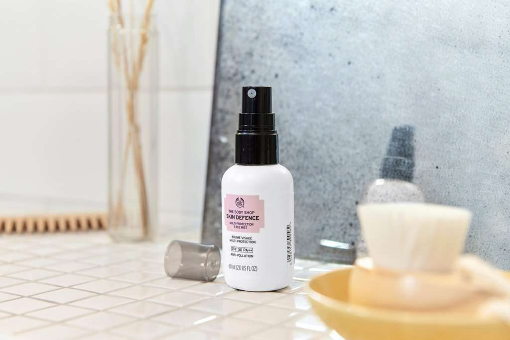 Skin Defence Multi-Protection Gesichtsspray von The Body Shop