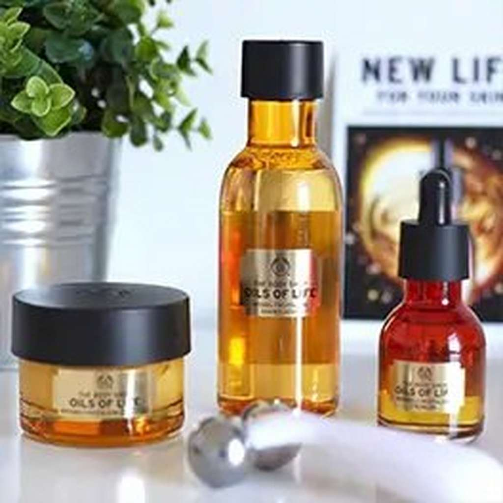 Productos de la línea Oils of Life de The Body Shop
